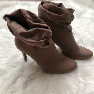 Slouchy tan suede booties 8 1/2 8.5 heels heeled